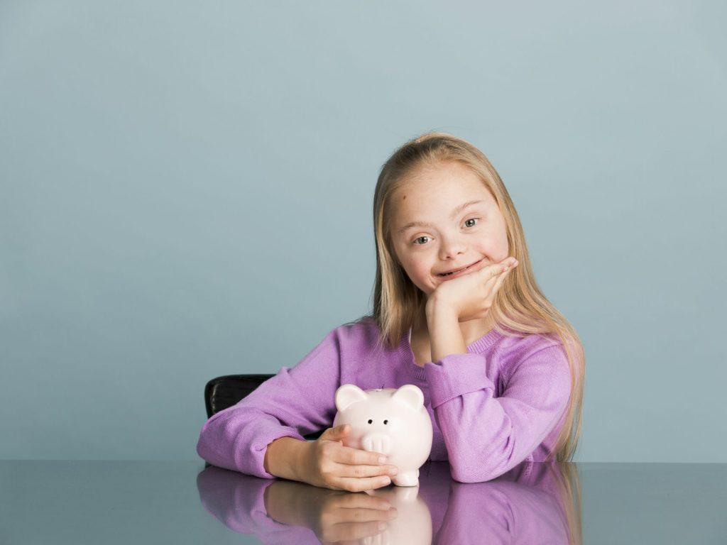 Teaching children about money thumbnail.