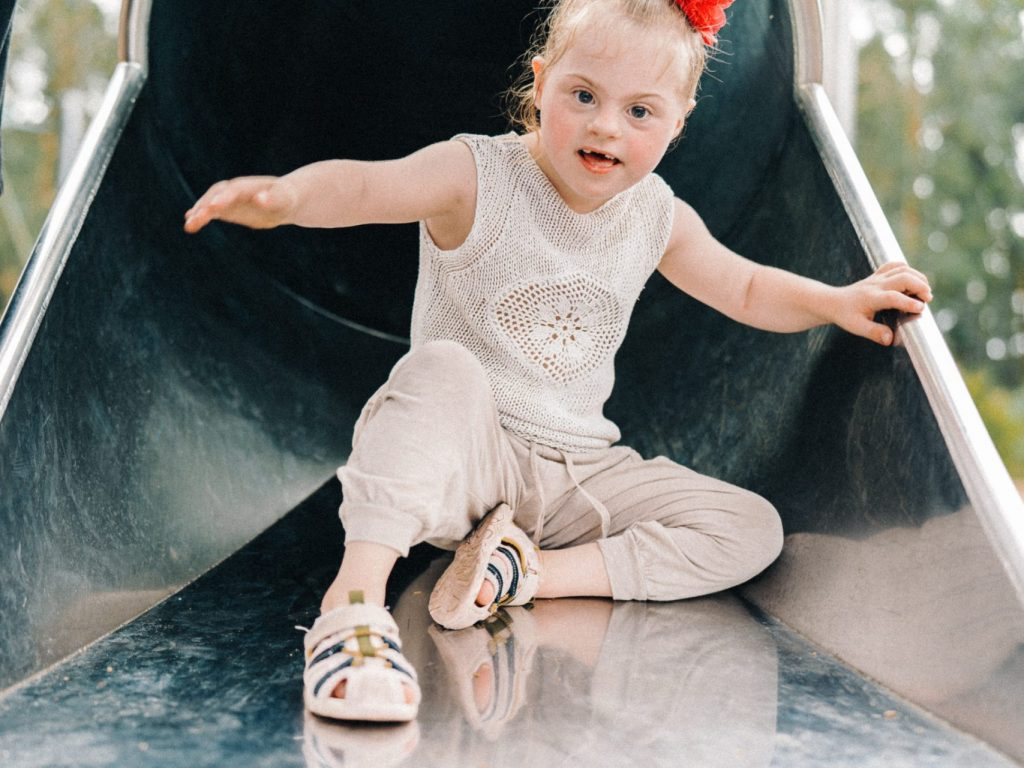 Optimising physical and cognitive development in children with Down Syndrome: A Paediatric Physiotherapist and father's perspective on raising your child towards independence webinar thumbnail.